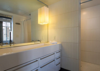 Lofts At Hollywood And Vine - Evelyn Ginossi - bathroom