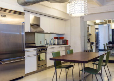 Lofts At Hollywood And Vine - Evelyn Ginossi - kitchen